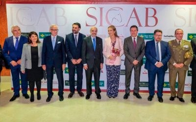 S.A.R. Doña Elena de Borbón y el alcalde de Sevilla inauguran la 28ª edición de SICAB