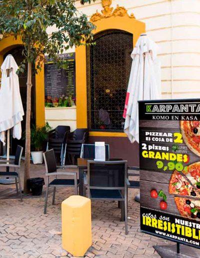 Cartelería exterior para Karpanta Sevilla
